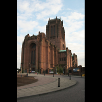 Liverpool, Anglican Cathedral, Fassade und Turm