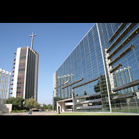 Garden Grove, Christ Cathedral (''Crystal Cathedral''), Glasfassade mit Glockenturm