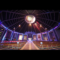 Liverpool, Metropolitan Cathedral of Christ the King, Gesamter Innenraum