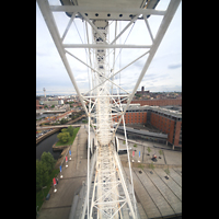 Liverpool, Anglican Cathedral, Echo Wheel mit Blick zur Kathedrale